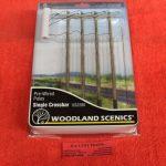 2280 Woodland Scenics single crossbar telephone poles