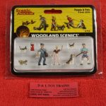 2768 Woodland Scenics O scale People and pets