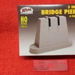 "81 Atlas HO scale 3"" Bridge piers"