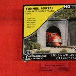 1252 Woodland Scenics HO scale Concrete tunnel portal