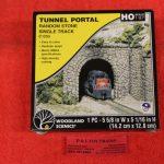 1255 Woodland Scenics HO scale Random stone tunnel portal